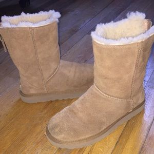 Tan Uggs with Zipper